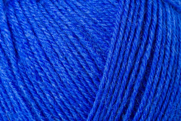 REGIA Wolle 4-fädig Uni electric blue 100 Gramm
